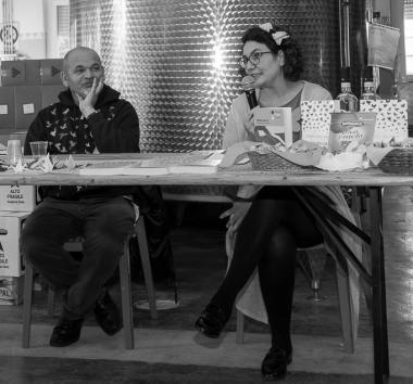 """Festival Giallo Garda - Lo scrittore Roberto Ritondale presenta il suo libro """"SOTTO UN CIELO DI CARTA"""" - Merenda con delitto"""